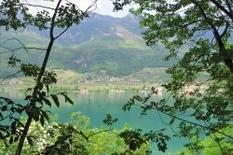 Kalterer See bei Bozen in Südtirol